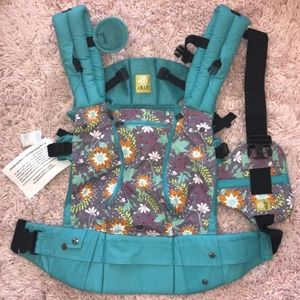 LilleBaby All Season Carrier NWT Lily Pond